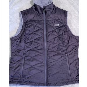 North Face Reversible Fleece Vest - Size XL - EUC!